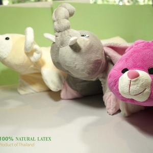 หมอนยางพาราแฟนซี กางเป็นเบาะสำหรับเด็กได้ Doll Pillow 43x60x5cm PARCUSTOLATEX 100%