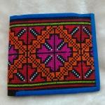 กระเป๋าผ้าปัก ใส่ธนบัตร สีน้ำเงิน ลายปักสีแดง แบบพับ