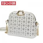 กระเป๋า Axixi พร้อมส่ง รหัส NM12155 สีขาว แต่งบายฉลุ อะไหล่สีทอง สวยสุดๆ