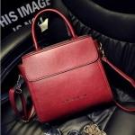 กระเป๋าสะพายข้างผู้หญิงพร้อมส่ง รหัส SUIF0227RD สีแดง ทรงกล่อง แบบสวย