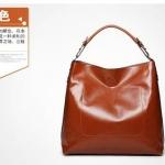 กระเป๋าแฟชั่นพร้อมส่ง รหัส SUIF0221BR สีน้ำตาล แบบหนังเงา ด้านในถอดได้ น่ารักมากค่ะ