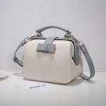 กระเป๋า Axixi พร้อมส่ง รหัส NM12160-2 สีขาว แต่งโบว์ สวยค่ะ