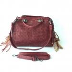 กระเป๋าสะพายข้างผู้หญิง รหัส SUC0017RD สีแดง แต่งลายถัก น่ารักค่ะ