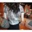 SALE//SALE (ส่งฟรี) เสื้อยืดคอกลม ลายกราฟฟิกทั้งตัว สีเทา เก๋ๆ กุ้นขอบคอและแขนสีดำ สไตล์เกาหลี thumbnail 5