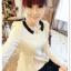 หมดค่ะ SALE//SALE (ส่งฟรี) เสื้อแฟชั่นเกาหลี คัตติ้งสวยเนียบเข้ารูป สีขาว มีซิปด้านหลังใส่ง่าย เนื้อผ้าหนานุ่ม แต่งคอปกสีดำเก๋ๆ thumbnail 1