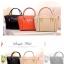 กระเป๋าแฟชั่น ดีไซน์สวยเรียบหรู สีส้ม คลาสสิค แบบยอดนิยม เหมาะกับทุกโอกาส สามารถถือและสะพายได้ทั้งสองแบบ ((โปรโมชั่นส่งฟรี)) thumbnail 8
