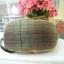 กระเป๋าคล้องมือ ผ้าทอญี่ปุ่น ใส่ของจุกจิกสไตล์ คันทรี ต่อผ้า ควิลล์มือทั้งใบ ขนาดกระทัดรัด ขนาด กว้าง 17 ซม สูง 13ซม ฐานกว้าง 8.5 ซม thumbnail 3