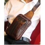 กระเป๋าสะพายเฉียง ข้าง เนื้อ PU กึ่งด้าน แต่งแถบดำกลาง สีน้ำตาล