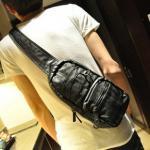 กระเป๋าสะพายข้าง สะพายเฉียง ทรงเรียว แนวตั้งซิบ2 เดินเส้น PU สีดำ