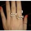 (หมดจ้า) แหวนแฟชั่นดอกไม้สีขาวประดับด้วยเพชร สวยหวานหวานสไตล์เกาหลี