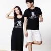 เดรสคู่รักเกาหลี แฟชั่นคู่รัก ชายเสื้อแขนสั้น+ หญิงเดรสแขนกุด สีดำ ลายหน้าคน +พร้อมส่ง+