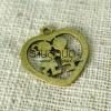 จี้รูปหัวใจ สีทองเหลือง ขนาดกว้าง 26 mm. ยาว 28 mm.