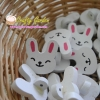 กระดุมไม้ ลาย กระต่ายน่ารักดีค่ะ ++ ราคาต่อ 1 หน่วย++