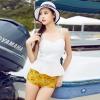ชุดว่ายน้ำพิมพ์ลายเป็ดสีเหลือง+เสื้อสีขาว