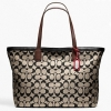 กระเป๋า COACH WEEKEND PRINTED SIGNATURE ZIP TOP TOTE KHAKI BLACK F23107