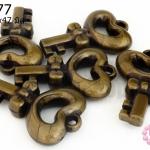 จี้พลาสติกอะคลีลิค กุญแจหัวใจ 31x47มิล (1ขีด/19ชิ้น)