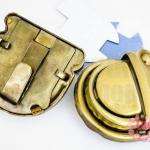 ตัวล๊อคกระเป๋า สีทองเหลือง 32X32มิล(2ชุด)