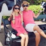 ชุดคู่รัก เสื้อคู่รักเกาหลี เสื้อผ้าแฟชั่น ผู้ชายเสื้อคอปกสีแดง + หญิงเดรสแขนกุดจั้ม สีแดง +พร้อมส่ง+