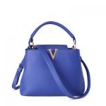 กระเป๋าแฟชั่นเกาหลีพร้อมส่ง รหัส SUIF0131BL สีน้ำเงิน มีตัวอักษร V สุดเก๋