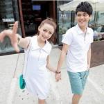 +พร้อมส่ง+ ชุดคู่รักเกาหลี แฟชั่นคู่รัก ชายเสื้อยืคอปกแขนสั้นแต่งซิบ + หญิงเดรสคอปกแขนสั้น สีขาว แต่งซิบด้านหน้า