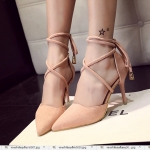 รองเท้าหนังส้นสูงสีชมพู