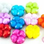 ลูกปัดพลาสติก สีขุ่น ดอกไม้ คละสี 14มิล(1ขีด)