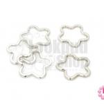 พวงกุญแจดอกไม้ สีโรเดียม 34X34มิล(5ชิ้น)