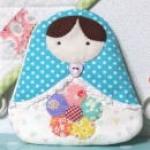 Free Pattern กระเป๋าใส่เหรียญสาวน้อยน่ารักค่ะ Russian Doll