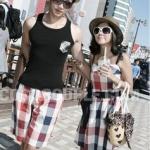 ชุดคู่รักไปเที่ยวทะเล ชายกางเกงลายสก๊อต + หญิง แซกสายเดี่ยวลายสก๊อต โทนสีแดงดำขาว +พร้อมส่ง+