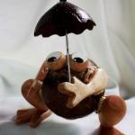 ออมสินกะลามะพร้าวกบกางร่ม Coconut Shell Frog and Umbrella Saving