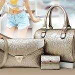 กระเป๋า Berry Bag พร้อมส่ง รหัส SUB8837GD SET 3 ใบ สีทอง ลายดอกไม้ แบบดูดีมากค่ะ