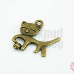 จี้ทองเหลือง แมวถือลูกแก้ว 18x19 มิล(1ชิ้น)