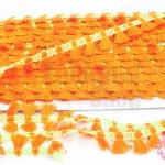 พู่ไหมเส้นยาว พู่สีส้มแสดแถบสีเขียวสะท้อนแสง กว้าง 1.5ซม(1หลา/90ซม)