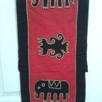 ผ้าแปะลายช้าง สีแดง