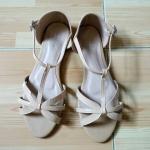รองเท้าสีครีม แค่ลองใส่ ใหม่มากไม่มีตำหนิค่ะ SIZE 38