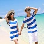 ชุดคู่รัก เสื้อคู่รักเกาหลี เสื้อผ้าแฟชั่น ชายเสื้อคอกลมแขนสั้น + หญิงเดรสคอกลมแขนสั้น ลายแถบน้ำเงินขาว  +พร้อมส่ง+