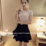 เสื้อแฟชั่นเกาหลี ผ้าคอตตอนยืดมีลายในตัว ตัดแต่งช่วงคอเสื้อเก๋ ๆ สีชมพูอ่อน