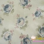 ผ้าคอตตอนลินิน ญี่ปุ่น รุ่น Vintage Collage ลายกุหลาบน้ำเงินพื้นสีขาว