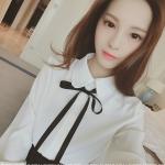 ้เสื้อแฟชั่นเกาหลี คอปกทรงเชิตแบบคอบัว กระดุมหน้า พร้อมโบว์ผูก สีขาวสุภาพ