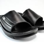 รองเท้าแตะหนัง ADDA 7C01 สีดำ 44-45