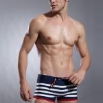 PRE กางเกงว่ายน้ำชาย กางเกงว่ายน้ำชายขาสั้น ลายทาง ตัดขอบขากางเกงสีแดง มีเชือกผูกเอว