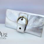 พร้อมส่ง กระเป๋าเงินใบยาว MUSE สี Silver งานหนังแท้ทั้งใบ สุดคลาสสิค กระดุมเป็นหัวเข็มขัด สวยมากค่ะ
