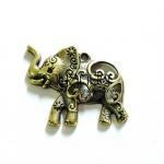 จี้รูปช้างสีทองเหลือง ตัวละ 20 บาท ขนาดความกว้าง 31 มิล ยาว 41 มิล