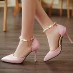 รองเท้าส้นสูงประดับลูกปัดมุกสีชมพู