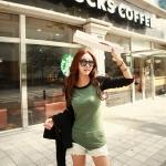 เสื้อยืดแฟชั่นแขนยาวตัดต่อผ้า สีเขียวแขนสีดำ