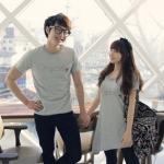 ชุดคู่รัก เสื้อคู่รักเกาหลี เสื้อผ้าแฟชั่น ชายเสื้อยืดสีเทา + หญิงเสื้อยืดตัวยาว ปลายเฉียง +พร้อมส่ง+
