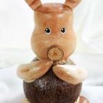 ออมสินกะลามะพร้าวรูปหมู Coconut Shell Savings Piggy