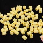 เม็ดบีทรีดร้อน สีครีม 5 มิล (1ขีด/1,820ชิ้น)