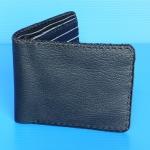 ขายกระเป๋าหนังแท้ของผู้ชายเย็บมือทั้งใบ ราคา 250 บาท