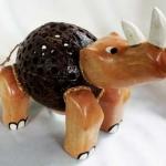 โคมไฟกะลามะพร้าวรูปแรด Coconut Shell Lamp Rhinoceros
